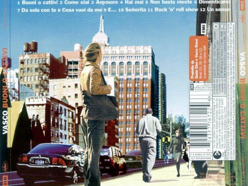 """Retrocover del Cd """"Buoni o cattivi"""", che contiene """"Un senso"""". Vagabondaggi, ricerca, anonimato, figurine: cosa succede ancora in città?"""