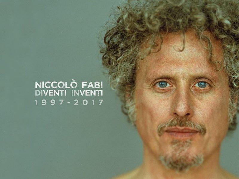 """Il ritratto cover di """"Diventi inventi 1997-2017"""", l'album celebrativo dei vent'anni di carriera (Foto di Shirin Amini, Artwork di Nicoletta Carbotti)"""